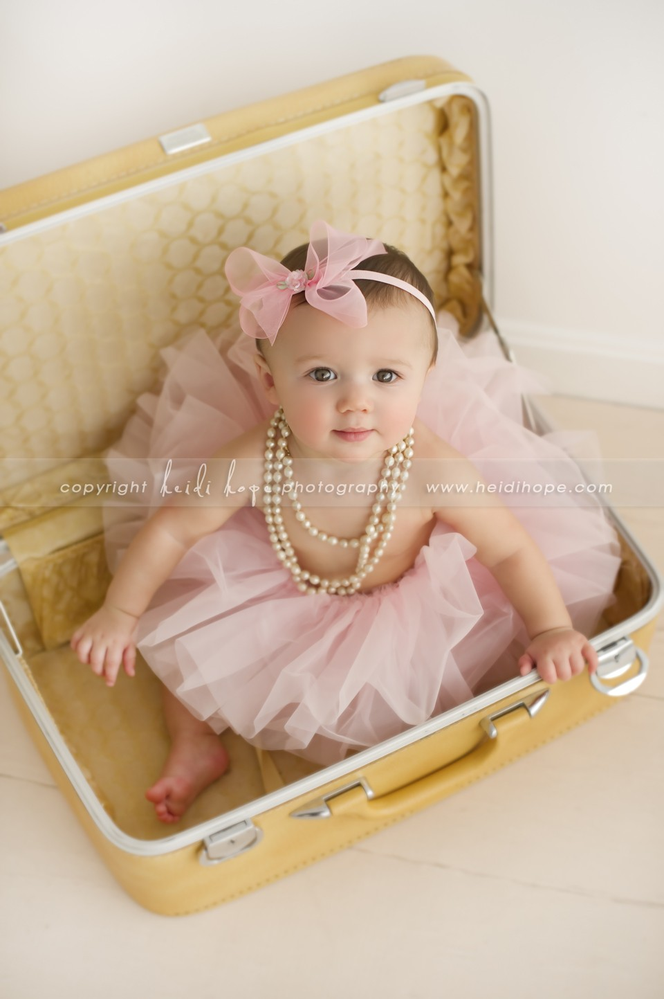 oh that face 7 month old baby girl l visits the heidi. Black Bedroom Furniture Sets. Home Design Ideas