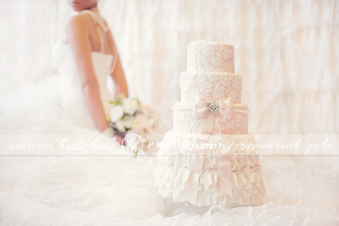 Heidi Hope Photography - Lace pink cake