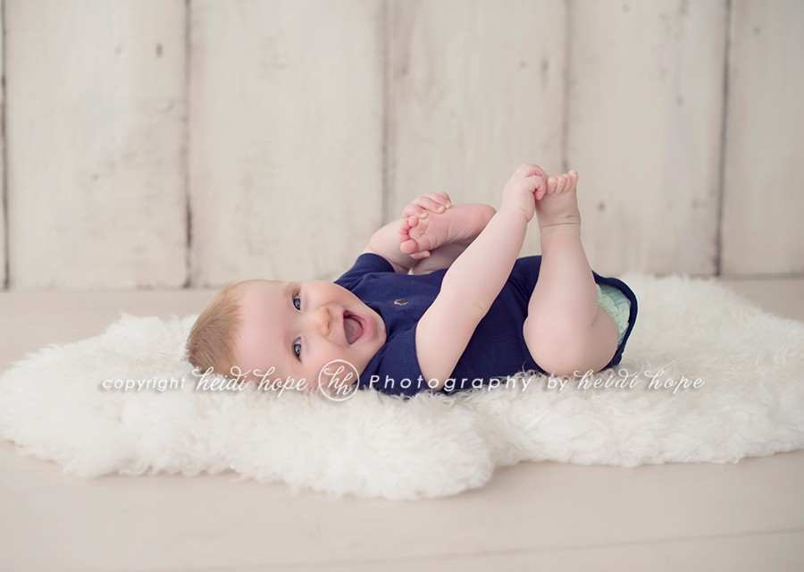 06-6-month-baby-portraits