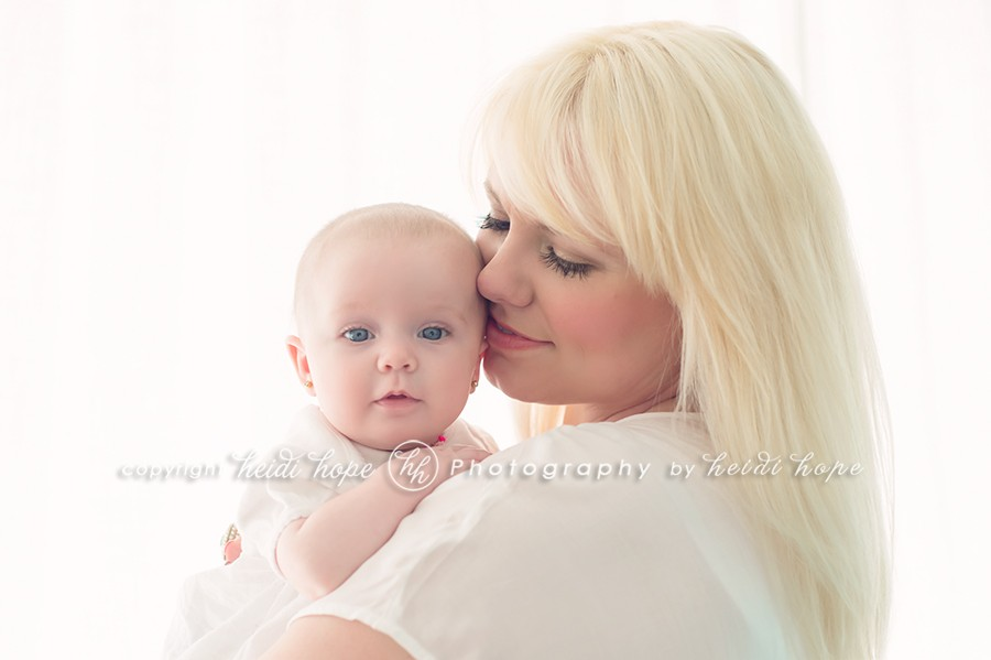 10-3-month-old-baby-portraits