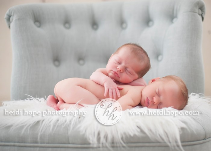 Sweet newborn twin girls F&F captured in the studio. Multiples ...